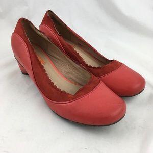 Red leather kitten heels scalloped round toe retro